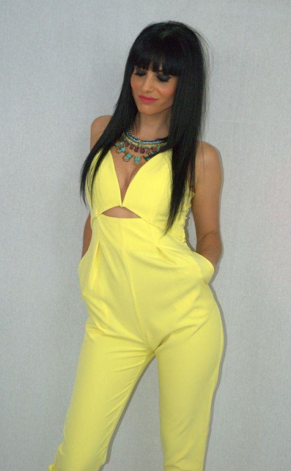 WEEK 22 - Yellow Jumpsuit con abertura #mono #collar #moda #fashion #ropa #elegante #woman #mujer #coleccion #complementos #instastyle #shop #shopping #model #almeria #almería #garrucha #peligros #carboneras #andalucia