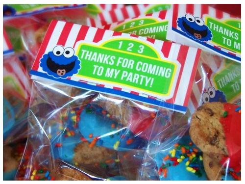 Cookie monster party favors: Sesame Street, Kids Birthday, For Kids, Birthday Parties, 1St Birthday, Parties Favors, Cookies Monsters Parties, Parties Ideas, Street Favors