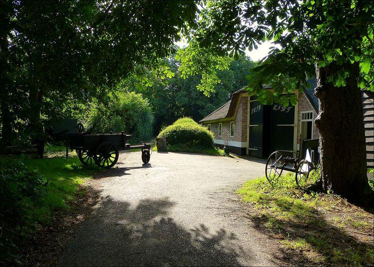 Boerderij Zuid-Endt aan de Hondsbosseweg in Heemskerk...