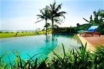 Villa Tanju Bali - Pool and Sea View