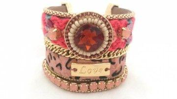 Ibiza armband love. Deze Ibiza armband is zeker één van de favorieten van Yfyjewels.