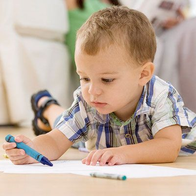 Toda criança gosta de desenhar. Entendam o que os especialistas recomendam. Leiam mais!