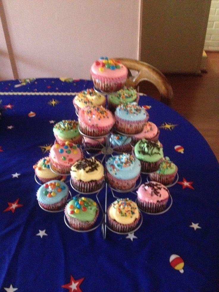 Cup cakes coloridos!
