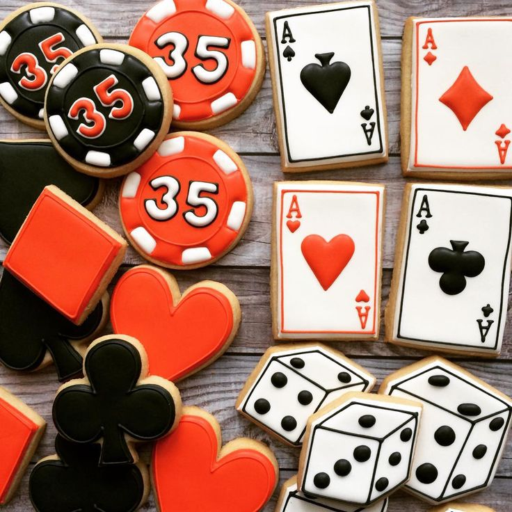#Casino Sweets -- Birthday cookies #poker #gambling #dice ideas