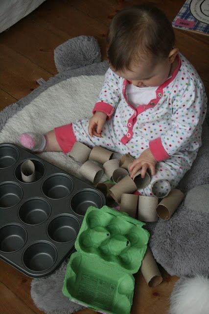 Muffin tie sorting - 15 Independent Activities for One Year Olds - Imperfect Homemaker