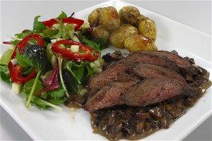 Krondyr mørbrad m. ovnstegte kartofler og svampesauce 4