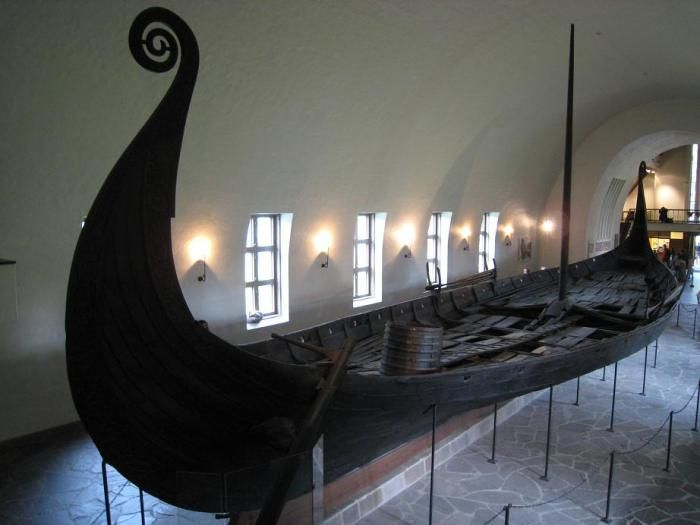 ThorNews - A Viking Burial Described by Arab Writer Ahmad ibn Fadlan The Oseberg Ship