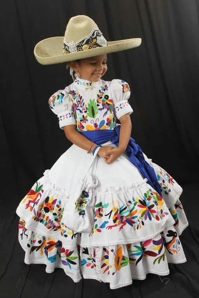 Escaramuzas En 2019 Vestidos Mexicanos Para Niña Vestidos