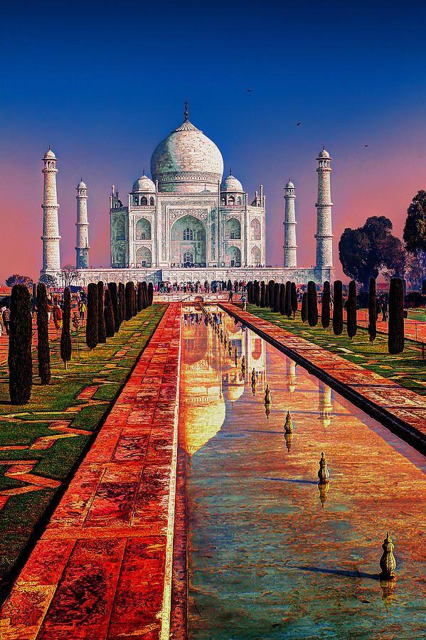 ✈ Sunset at the Taj Mahal, India