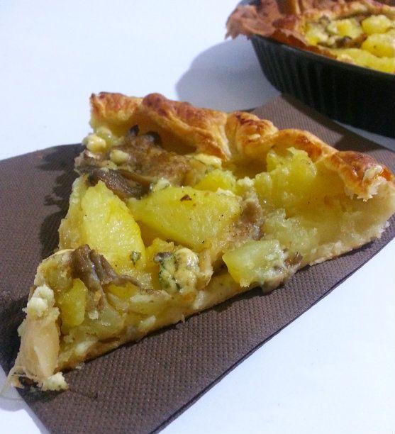 Torta salata con funghi, patate e gorgonzola