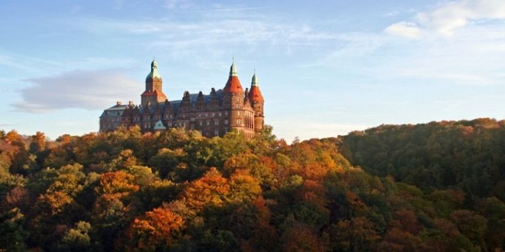 Wałbrzyski zamek Książ jest jednym z największych zamków w Polsce i Europie i jednocześnie największym zamkiem na Dolnym Śląsku.