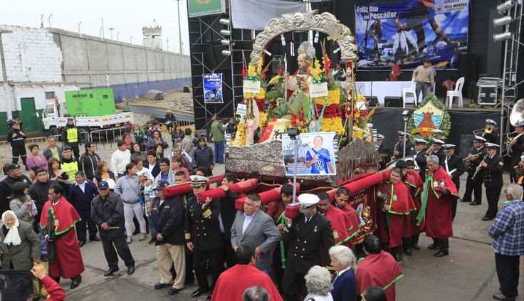 Fiesta religiosa por San Pedro y San Pablo en Chorrillos, Lima-Perú