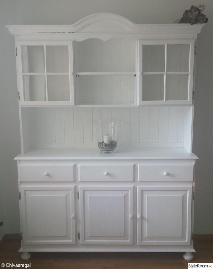 vitrinskåp,vitmålat,furu,kök,sovrum,vardagsrum