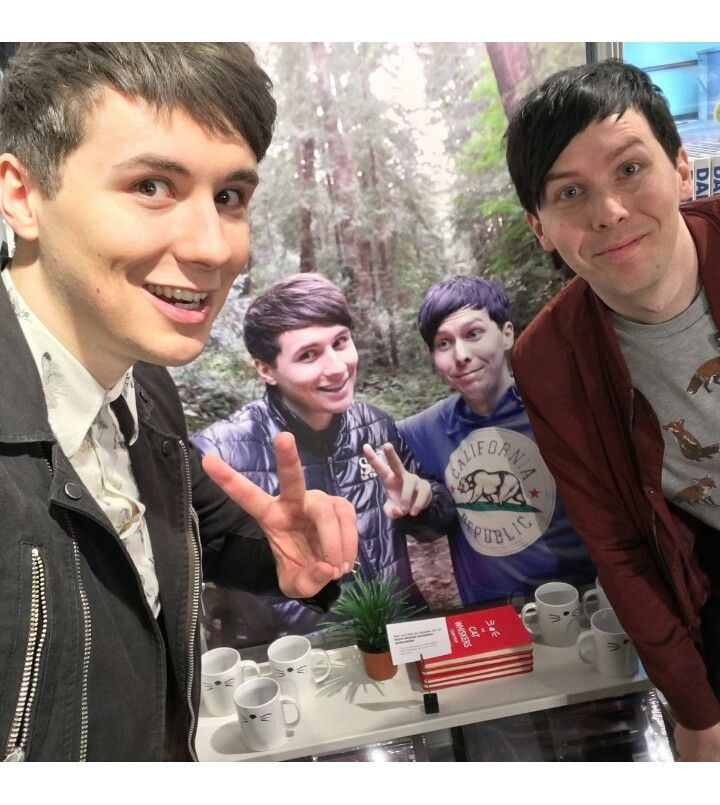 Punch me they took a selfie with their own self is and Dan's face what?