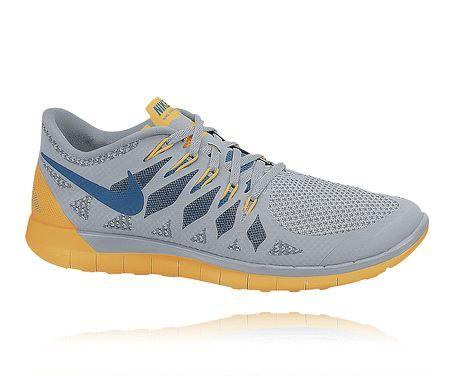 NIKE MPT M FREE 5.0 Löparskor i herrstorlek för ett neutralt löpsteg. Se skon här: http://www.stadium.se/sport/lopning/loparskor/205272/nike-mpt-m-free-5-0