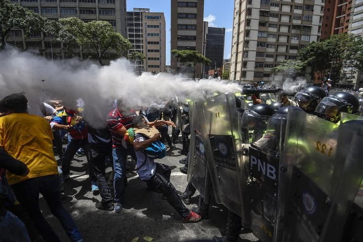[FOTOS] ¡MADURO CRIMINAL! Así fue la brutal represión del regimen venezolano contra el pueblo que pedía libertad