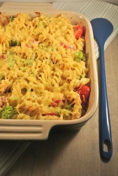 pasta ovenschotel met kruidenroomkaas, ham, broccoli en tomaatjes