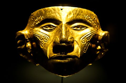 A beautiful golden face mask,Museo del Oro.