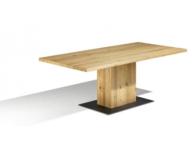 Unser Säulentisch Muzzano ist ein ein massiver Tisch auf Maß. Die Tischplatte ist 4 cm stark und optional mit Baumkante erhältlich. Die Bodenplatte besteht aus zaponiertem Rohstahl. Dank den optionalen Ansteckplatten kannst du den Säulenesstisch individuell verlängern. Ausziehbar? Ja, Ansteckplatten Länge: 160 cm - 250 cm Breite: 80 cm - 110 cm Besonderheit: Baumkantenoptik, zaponierte Rohstahlplatte