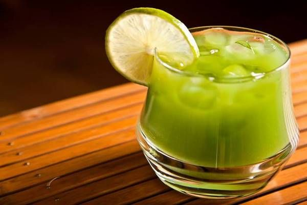 Zöld teás limonádé: egyben hűsít, frissít, hidratál és még robbantja is a kilókat!