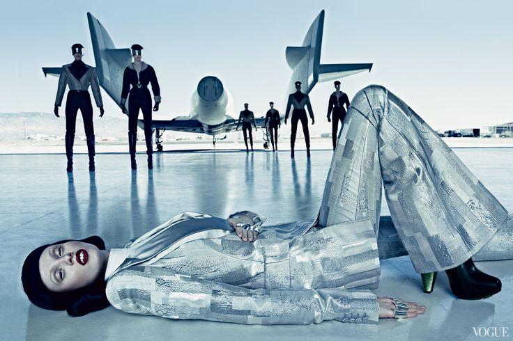 space-in-vogue-04_234756117378.jpg – Vogue
