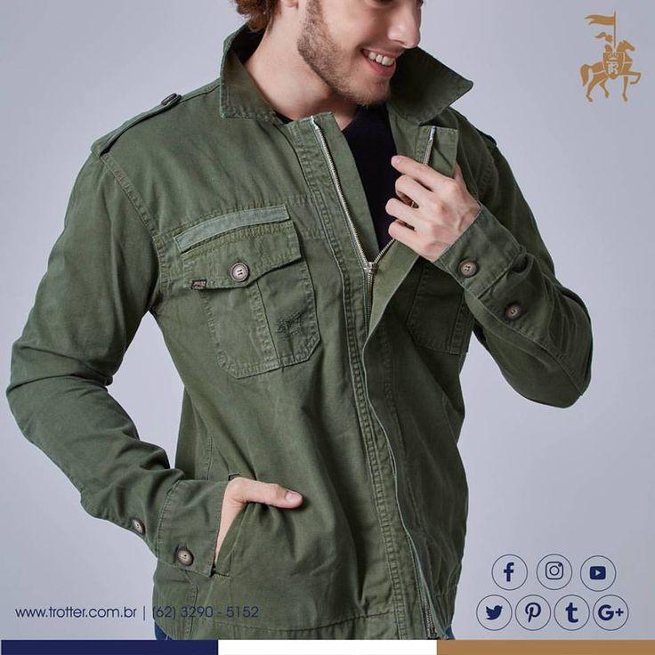 """As """"Parkas""""... Inspirada no anorake, casaco feito pelos esquimós, o casaco Masculino estilo PARKA está com tudo e impulsiona a tendência da moda militar, por sua robustez e quantidade de bolsos, com inspiração também em uniformes do exército."""