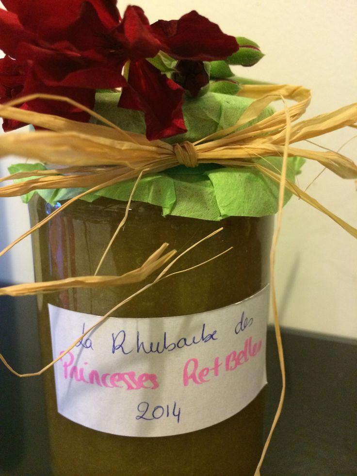 Merci Laetitia <3 1ères confitures à la rhubarbe du Jardin des princesses ! Délicieuses ....