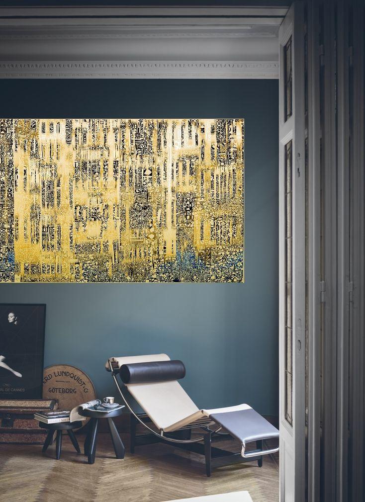 """Работа Саввы """"VENICE. REFLECTIONS-I"""" в интерьере небольшой гостиной."""