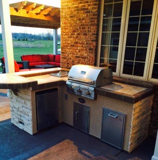 19 best outdoor kitchens grills images on pinterest for Simple outdoor kitchen designs