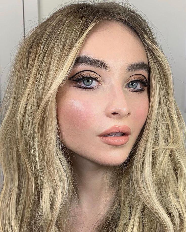 Nikki_Makeup sur Instagram: «Les formes de la doublure graphique de la belle Ruby-Jo Carpent