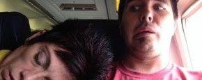 Last Van Slapende Buurvrouw In Het Vliegtuig #vliegtuig #lastig #passagier #PrutsFM