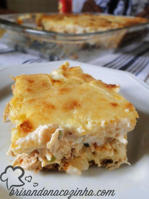 Torta cremosa de frango, milho e requeijão