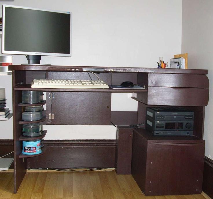 17 best ideas about computer built into desk on pinterest gaming computer desktop computer. Black Bedroom Furniture Sets. Home Design Ideas
