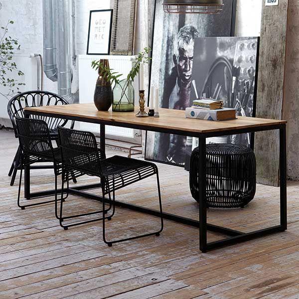 tisch form von house doctor interior pinterest esszimmer dachausbau und bilderwand. Black Bedroom Furniture Sets. Home Design Ideas