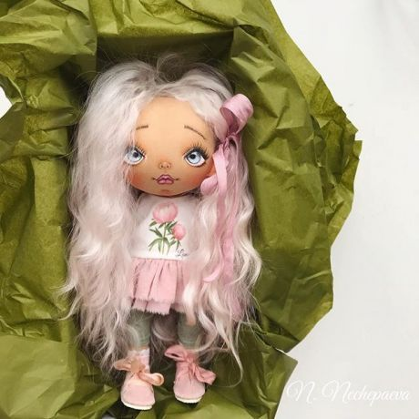 Всем хороших выходных !  Скоро новенькие ♥️...  (Кукла не продаётся).  #текстильнаякукла#кукларучнойработы#авторскаякукла#коллекционнаякукла#екатеринбург#ручнаяработа#сшитаслюбовью#москва#интерьернаякукла#куклаизткани#куклавподарок#ручнаяработа#подарок#екатеринбург#doll#dolls#artdoll#dollartistry#instadoll#artdoll#art#питер#present#puppet#кукла#fabricdoll#авторскаяработа#любимоедело