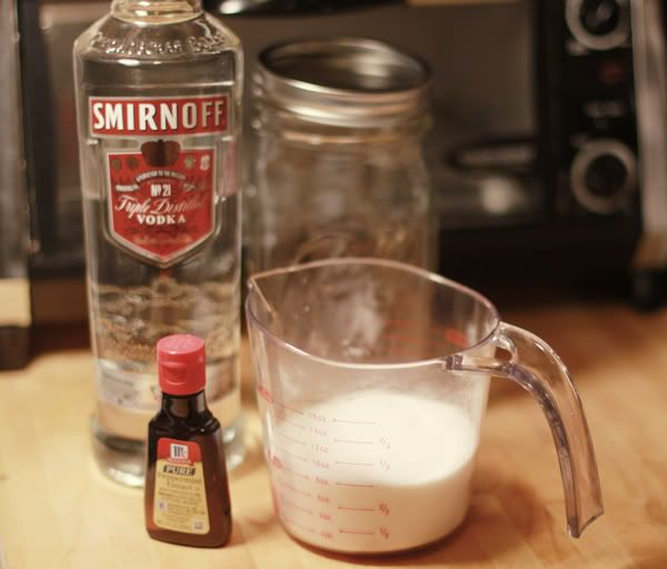 Delightfully Tacky: From the Bar: Homemade Peppermint Liqueur