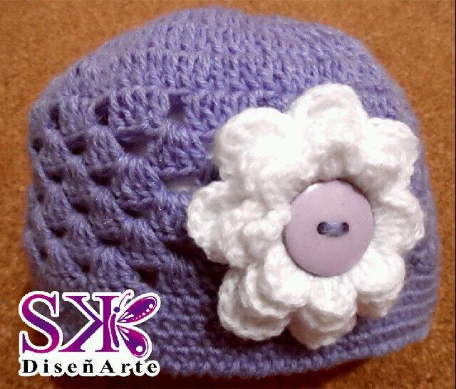 Gorrito para Bebé y niñas en #crochet #ganchillo. Te lo hacemos para todos los meses y edades. Haz tu #encargoSK