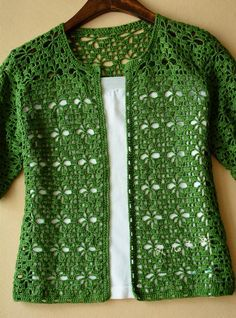 I found this cardigan in Chinese Blog  I liked and copied here                          source