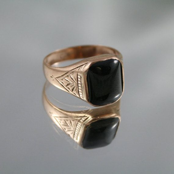 Free Post...Solid Antique Victorian Heavy mens Signet ring, Rose gold 9k,375 Black Onyx cabochon size USA 10, wedding, gents dress ring