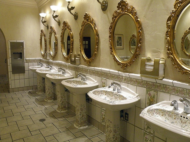 232 best images about public toilets on pinterest for Best bathrooms vegas
