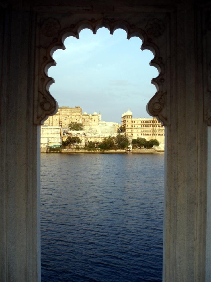 Entrez dans le monde mystérieux d'Udaipur...