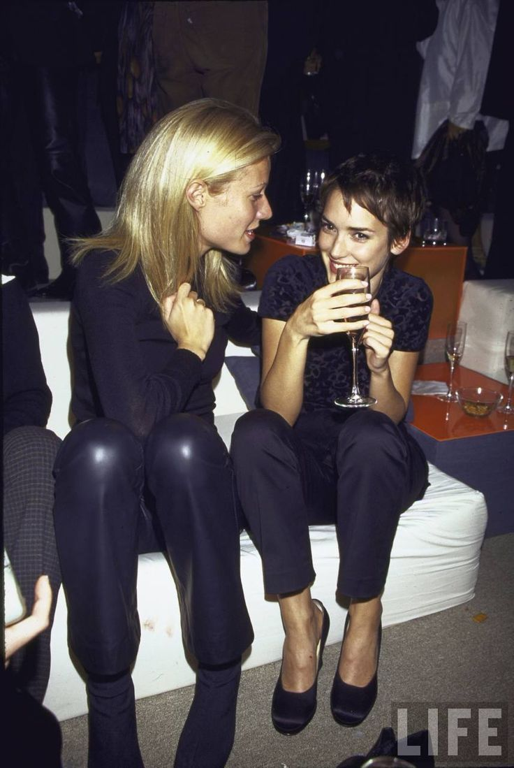 Gwyn + Wino.: Paltrow Winona, 1990S Parties, Style, Gwyneth Winona, Icons, Winona 1990S, Winona Ryder Gwyneth Paltrow, Winona Forever, People