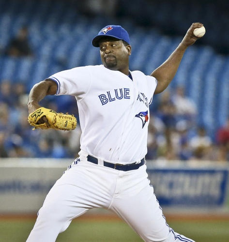 Toronto Blue Jays exercise option on Darren Oliver, re-sign Rajai Davis #baseball #MLB
