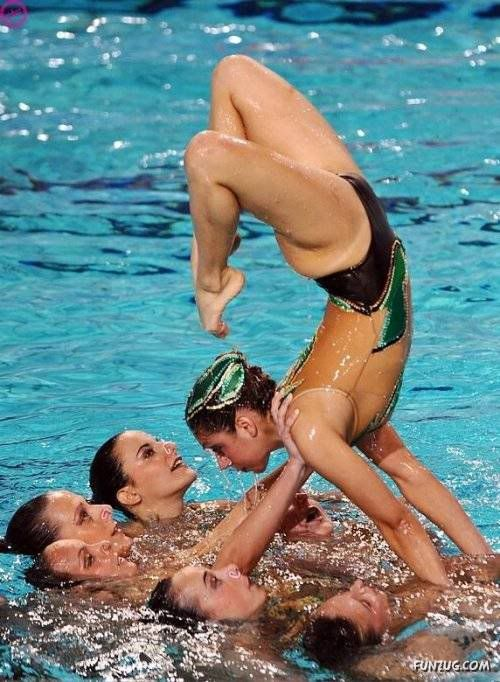 So pretty  synchronized swimming art