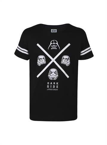 Camiseta masculina preta com estampa do star wars branca.  - Visite Riachuelo.com.br