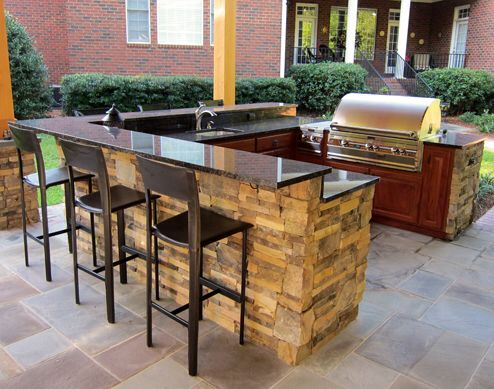 U Shape Outdoor Kitchen Island With Bar Top And Pergola