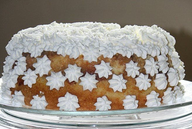 Retete Culinare - Tort de mere cu crema de zahar ars