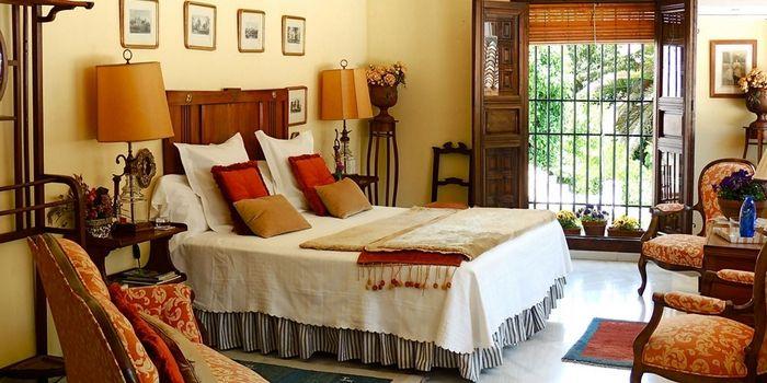 CARMEN DEL COBERTIZO  [Granada] :: Boutique hotel Carmen del Cobertizo ligt volledig verscholen in een smalle, doodlopende steeg in het Albayzín en is onvindbaar voor de argeloze voorbijganger die het doolhof van de oude Arabische wijk in Granada aan het verkennen is. Meer info: www.escapada.eu/carmen-del-cobertizo