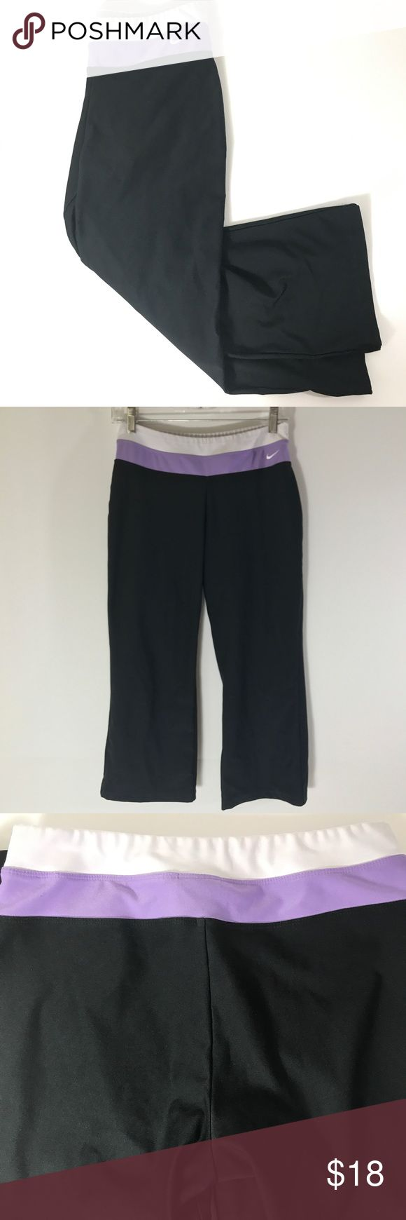 """Nike DRI-FIT Black Capri Running Pants Size Small Nike DRI-FIT Black Capri Running Pants Size Small Stretch Leggings Fitness Yoga  Condition Good shape no rips and no stains Measurements Waist is stretch measures flat at 26""""  Inseam 22.5"""" H101 Nike Pants Capris"""