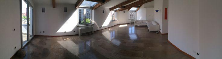 Affittasi Milano via Sannio 24, fermata Lodi, linea MM gialla, splendido attico composto da ingresso, due camere da letto, due bagni, cucina abitabile, due terrazzini e posto auto